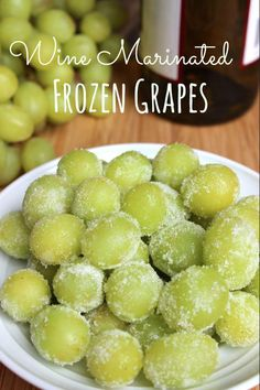 Wine Marinated Frozen Grapes: only 3 ingredients. Great for holiday parties! Frozen grapes can also keep your wine cold, without watering it down; Tapas, Yummy Drinks, Yummy Food, Appetizer Recipes, Appetizers, Frozen Grapes, Grape Recipes, Brunch, Wine Tasting Party