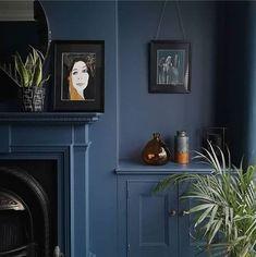 Original Dogs Painting by Yuliia Ustymenko Dark Blue Hallway, Dark Blue Rooms, Dark Blue Living Room, Dark Blue Walls, Bay Window Living Room, High Ceiling Living Room, Dark Blue Lounge, Dark Blue Houses, Blue Painted Walls