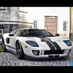 Imagine this parked at your drive- the fabulous Ford GT
