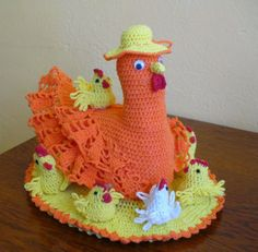 Glorinha Belas Artes: Toalha com galinhagalinhas Chickens Towel Crochet Kitchen, Crochet Home, Knit Crochet, Easter Crochet Patterns, Crochet Doilies, Crochet Chicken, Holiday Crochet, Easter Projects, Crochet Videos