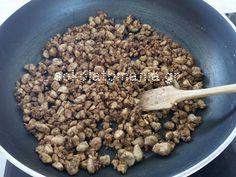Εύκολο, απίθανο παγωτό καραμέλα με καραμελωμένα αμύγδαλα η καρύδια, από το sokolatomania.gr!