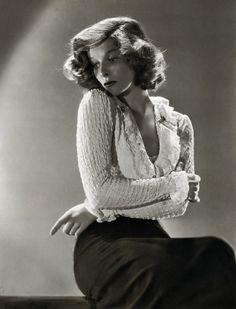 Katharine Hepburn - 1935 - by Ernest Bachrach