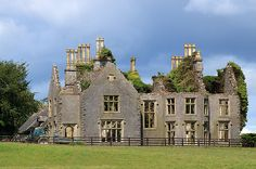 Abandoned mansion, Durrow