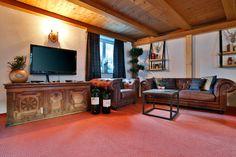 Lounge room at Chalet Amalien Haus, St Anton. Ski holidays with flexiski.