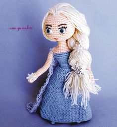 amigurinhoInspiration Elsa Frozen Designer: Lilian Luz #handmade #amigurumi #lovecrochet #crochetmoods #crafts #crochetlove #crochetart #crochetaddict #handcrafted #instacrochet #bichinhosdecrochet #semprecirculo #crochetersofinstagram #amocrochet #crochetando #crocheamigurumi #crochetamigurumi #amigurumicrochet #amigurumidoll #cutedoll #crochetdoll #elsafrozen #elsacrochet by amigurinho