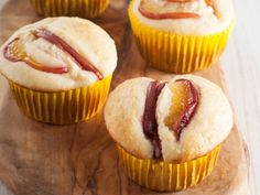 From the YOU kitchen: Sugar-free nectarine muffins Nectarine Recipes, Peach Muffins, Diabetic Friendly, Your Recipe, Culinary Arts, Yummy Food, Healthy Food, Tasty Dishes, Food Inspiration