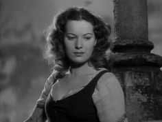 Maureen O'Hara In The 1939 Movie Version Starring Charles Laughton
