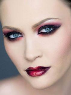 vampiremakeupforhalloween1-2 - Elke Von Freudenberg Salon NYCElke Von Freudenberg Salon NYC