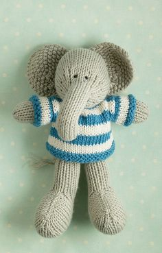 this looks like little cotton rabbits' work- I love her stuff Knitted Stuffed Animals, Knitted Bunnies, Cute Stuffed Animals, Knitted Animals, Knitted Dolls, Cute Diy Projects, Cute Crafts, Crochet Crafts, Yarn Crafts