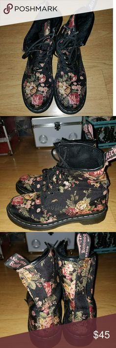 Black Floral Doc Martens A condition black floral doc martens! Only worn once. True women's 7. Very comfortable boots and original docs perfect for your collection ⚡ Doc Martens Shoes Combat & Moto Boots