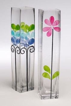 DIY glass painting patterns of flowers, peacock , fishes, butterflies and animals. Easy glass painting ideas for beginners to do at home Glass Painting Patterns, Glass Painting Designs, Bottle Painting, Bottle Art, Diy Painting, Wine Bottle Crafts, Jar Crafts, Wine Bottles, Painted Glass Vases