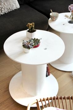 Une table d'appoint