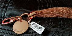 ♡♡♡ BNWT Stylish WOMEN S WITCHERY Rose Gold Hardware Keyring Keychain signature