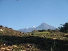 Vista del volcán y Nevado de Colima, México