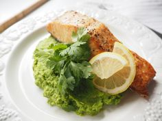 Salmon with pea puree ♥