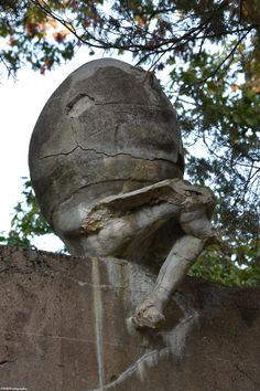 Humpty Dumpty didn't have a great fall, but looks rather cracked with parts missing.