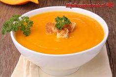 I know the thought of winter is scary but things to look forward to is making Winter Squash Soup with Parrano Croutons! Baked Pumpkin, Pumpkin Soup, Pumpkin Risotto, Winter Squash Soup, Alkaline Foods, Vegan Soup, Relleno, Eating Habits, Healthy Cooking