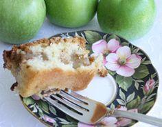 Aunt Lilian's Apple Cake