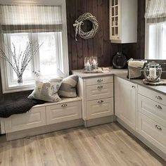 New England Kitchen, Dining Nook, New Home Designs, Kitchen Interior, Home Furniture, Sweet Home, New Homes, Shabby, Room Decor