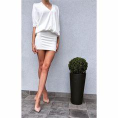 Sukienka VOSCHE rozmiary: xs,s,m,l kolory: ecru, pudrowy róż cena: 159 PLN