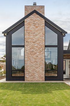 Modern Barn House, Modern House Design, Small Modern Houses, Building Design, Building A House, Shed Homes, Facade House, Scandinavian Home, Aaron Martin