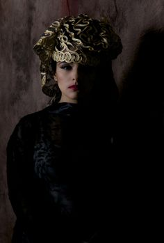 Chiaroscuro Chiaroscuro, Crown, Jewelry, Art, Art Background, Corona, Jewlery, Jewerly, Schmuck
