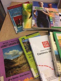 Selección de libros y DVS sobre caminar, pasear, andar... sus beneficios para la salud y para la mente. . Mayo 2018. 1ª planta expositor situado junto a las escaleras.