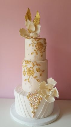 Embroidery by Domnaki's - http://cakesdecor.com/cakes/215955-embroidery
