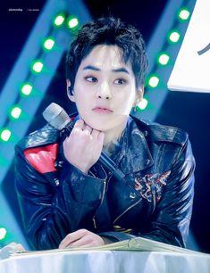 "180203 #Xiumin #Exo at Exo Fan Festival Concert ""Green Nature"" ."