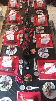 Chinese Party Decorations, Japanese Theme Parties, Asian Party Themes, Japanese Party, Christmas Party Decorations, Chinese Birthday, Japanese Birthday, Chinese New Year Party, 24th Birthday