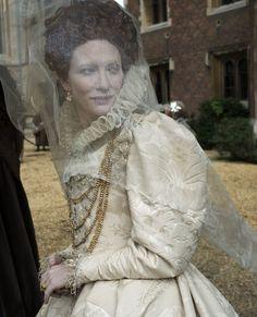 Queen Elizabeth I (Cate Blanchett) 'Elizabeth: The Golden Age' 2007. Costume designed by Alexandra Byrne.