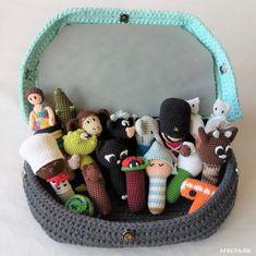 Crochet Game, Crochet 101, Crochet Toys, Crochet Patterns, New Moms, Little Ones, Baby Kids, Baby Shoes, Knitting