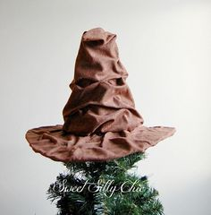 Sorting Hat Tree Topper
