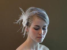 feather & veil on short hair