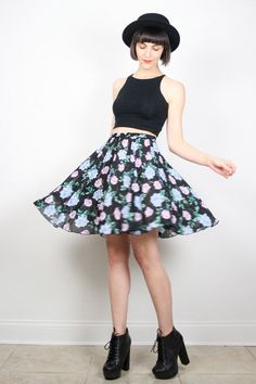 Vintage Skirt Skater Skirt Skirt Mini Skirt Black Floral Print Skirt Grunge Skirt Pleated Skirt High Waisted Boho S Small M Medium Fashion Casual, 90s Fashion Grunge, Cute Fashion, Look Fashion, Girl Fashion, Fashion Outfits, Skirt Mini, Skater Skirt, Mini Skirts
