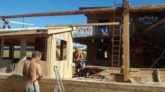 Budowa drewnianej łodzi na Bindudze Wiślanej. fot. Aleksandra Mysiorska