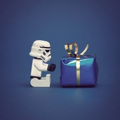 Lego star wars + (paket!) by Flickr user balakov.