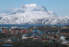 26/09/2013 Groenland. Exploiter l'uranium... et se libérer du Danemark Le Groenland ne veut plus se priver de son uranium, explique le quotidien norvégien Aftenposten. La prestigieuse matière première pourrait aider l'île à gagner son indépendance vis-à-vis de son ancien colonisateur, le Danemark.