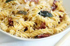 Salbei-Fusilli mit Parmaschinken – Flavoured with Love