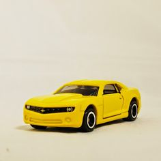 TAKARA TOMY TOMICA Street Car US Sport Car Auto CHEVROLET CAMARO (No. 19) Vehicle Diecast Metal Yellow Color