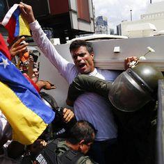 Venezolano, Esposo, papá de Manuela y Leopoldo. Si mi encarcelamiento vale para el despertar del pueblo venezolano, bien valdrá la pena.
