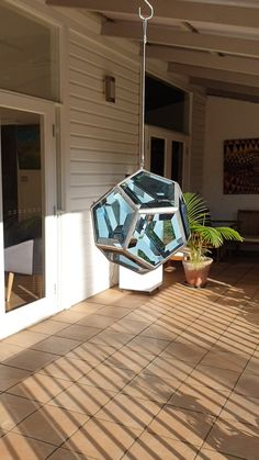 Glass dodecahedron sparkling in the afternoon sunlight Related posts: How to do upcycling and create an outdoor lantern with an old glass bottle Period DIY Outdoor Lantern – Black / Clear Glass Imperial Glass Marbles with Super Shooter, Bags Clear Glass, Glass Art, 2x4 Wood Projects, Glass Pendant Light, Stained Glass Patterns, Dichroic Glass, Light Art, Wall Sculptures, Beautiful Interiors