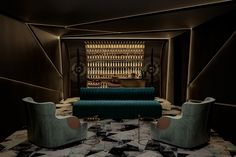 View our projects of luxury interior design in our portfolio by visiting the Lawson Robb website. Get to see our refined work on the finest private addresses, yachts and special commissions. Home Cinema Room, Home Theater Rooms, Home Theater Seating, Home Theater Design, Luxury Interior Design, Gold Interior, Interior Ideas, Interior Architecture, Whiskey Room