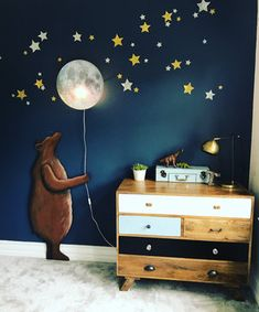 Januar Katie Woods von Come Down to The Woods, Alias The Peach Palace – Girl with The Green Sofa – Kinderzimmer Ideen - Baby Room Baby Bedroom, Baby Boy Rooms, Baby Boy Nurseries, Baby Room Decor, Nursery Room, Kids Bedroom, Nursery Ideas, Wall Decor, Wall Art