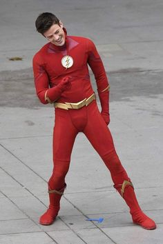 ❤️ Me: Don't know about you but that CW new Flash suit looks funny at the crotch area. Chicago Fire, Criminal Minds, Grant Gusting, The Flash Season 1, Flash Characters, Dc Comics Series, Flash Tv Series, The Flash Grant Gustin, Cw Dc
