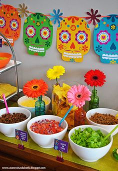 Birthday dinner ideas mexican fiesta party ideas for 2019 Mexican Birthday Parties, Mexican Fiesta Party, Fiesta Theme Party, Taco Party, Mexico Party Theme, Mexican Party Decorations, Day Of The Dead Party, Partys, Party Time