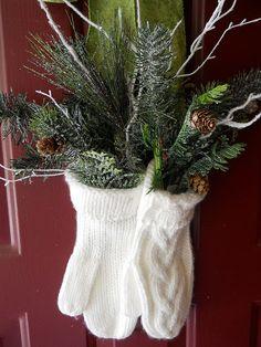 Winter Deko Ideen zu Hause weiße handschuhe haustür