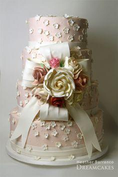 Vintage Blush Wedding Cake ᘡղᘠ / so gorgeous Gorgeous Cakes, Pretty Cakes, Amazing Cakes, Cupcakes, Cupcake Cakes, Blush Wedding Cakes, Rose Wedding, Purple Wedding, Unique Cakes