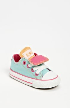 Converse Chuck Taylor® Double Tongue Sneaker (Baby, Walker & Toddler) - All stars - zapatos bebe Fashion Kids, Baby Girl Fashion, Toddler Fashion, Baby Chucks, Baby Sneakers, Converse Sneakers, Pastel Converse, Toddler Converse, Toddler Sneakers