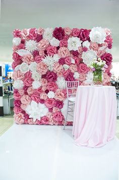 Paper Flower Wall x Extra Large Paper Flowers Decoration Photo Backdrop… Paper Flower Backdrop Wedding, Flower Wall Wedding, Flower Wall Backdrop, Diy Backdrop, Diy Wedding, Backdrops, Wedding Flowers, Diy Flowers, Large Paper Flowers